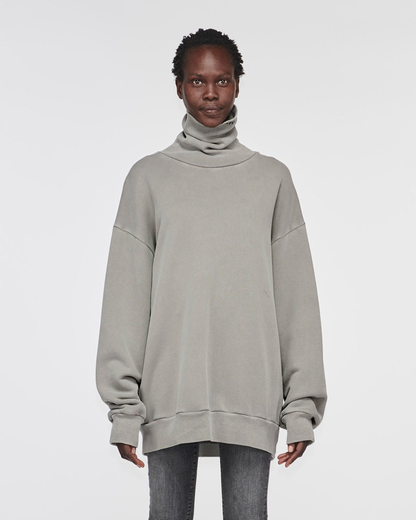 """SILVERLAKE"" TURTLE NECK SWEATER GREY"