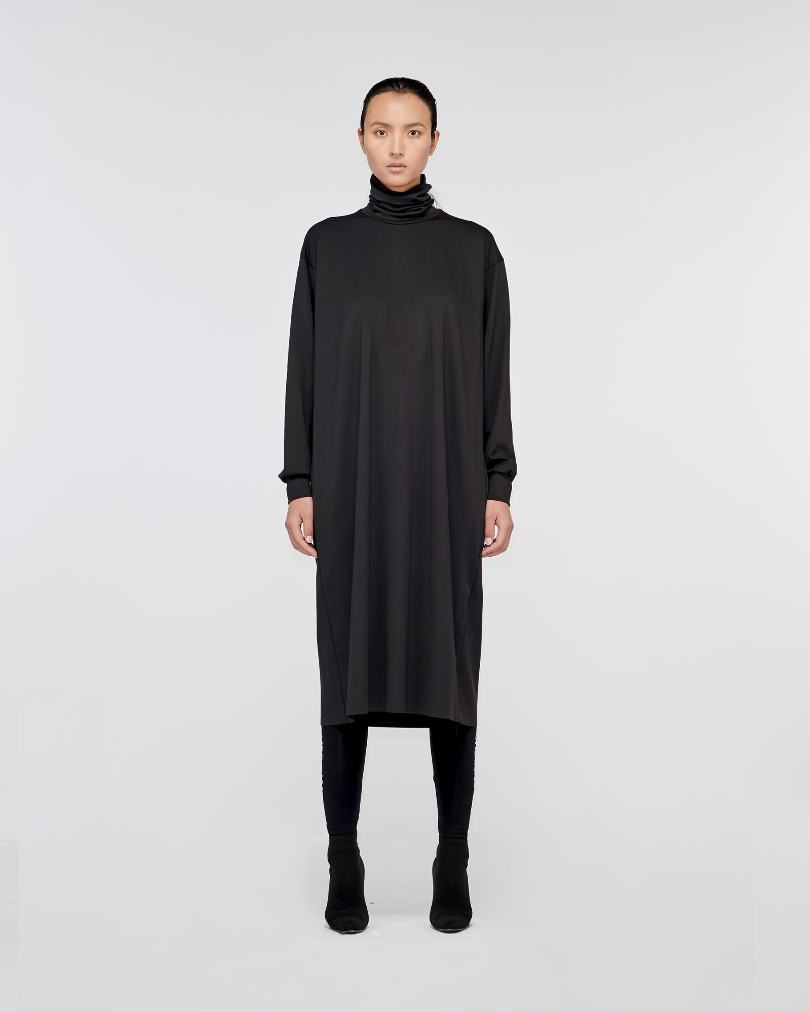 """GETTY"" TURTLE NECK DRESS BLACK"
