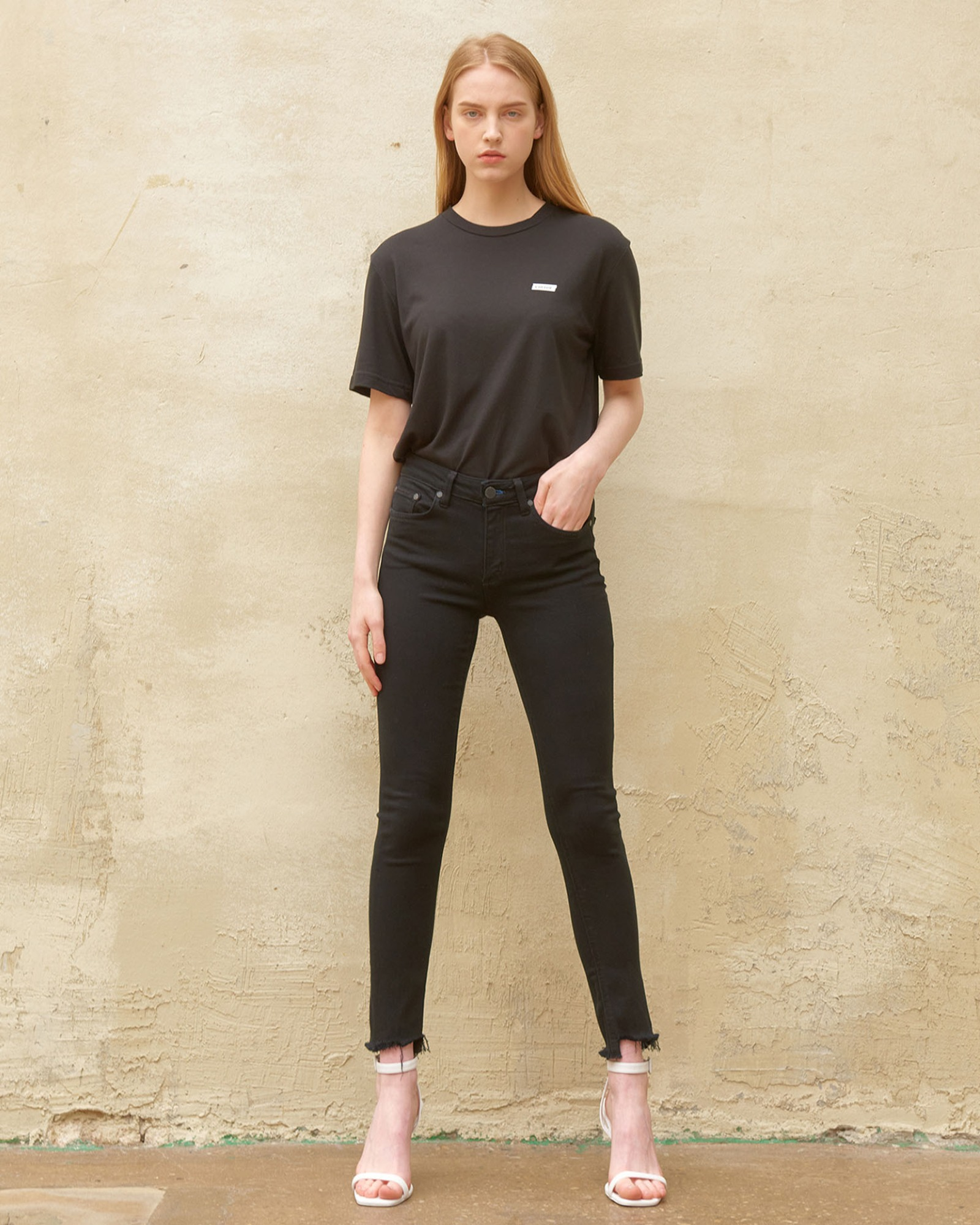 CHANDLER SKINNY BLACK JEAN